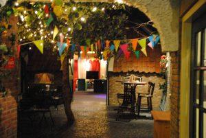 dorpsplein bij de bar